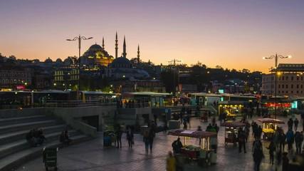 Wall Mural - Istanbul city day to night time lapse near Galata Bridge in Turkey timelapse 4K
