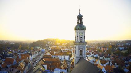 Katholische Kirchenstiftung St. Georg am Marienplatz in der bayerischen Stadt Freising Fototapete