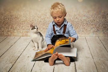 der Katze ein Buch vorlesen