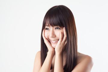 スキンケアイメージ・笑顔の女性