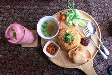 Thai fried rice On a wooden chopping board