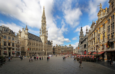 Foto op Canvas Brussel Touriusts visiting Grand Place in Brussels