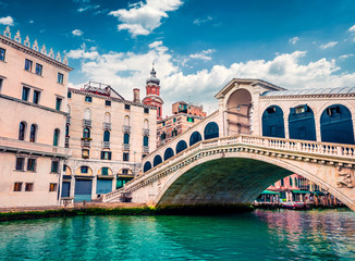 Obraz Splendid scene of famous Canal Grande. Colorful spring view of Rialto Bridge. Picturesque morning cityscape of  Venice, Italy, Europe. Traveling concept background. - fototapety do salonu