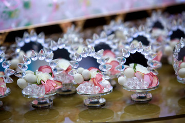 Elegant gifts made of mirror and candy