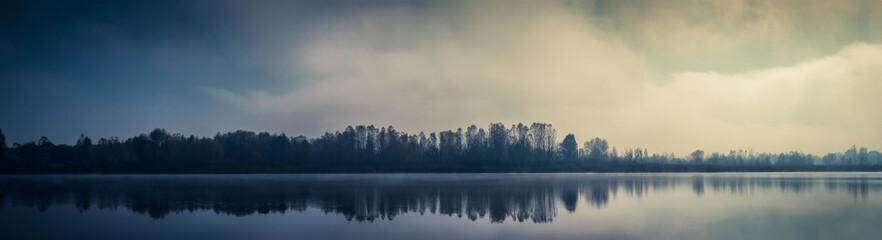Mist fall lake in Kyiv, Ukraine 2018 Fototapete