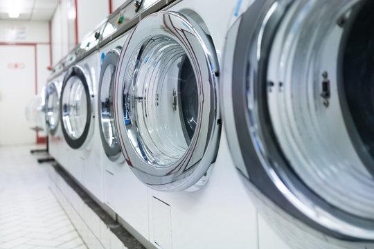 laverie linge laver machine propre nettoyer magasin boutique tambour lessive coton sécher