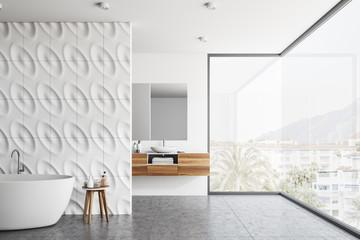 Geometric pattern panoramic bathroom