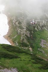 立山のヘリコプター輸送