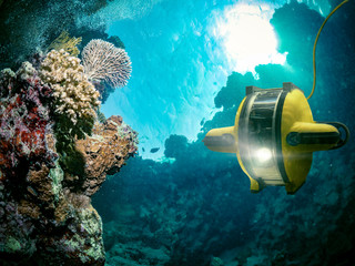 Underwater robot explores the deep sea