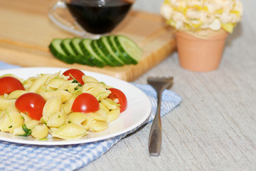 spaghetti pasta with tomatoes and herbs