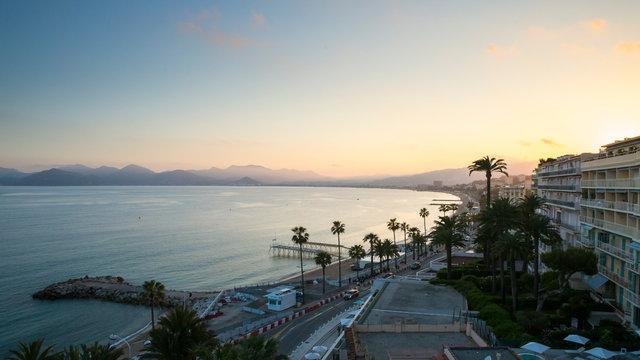 Cannes la croisette au sunset