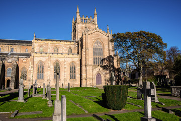 Side view of Dunfermline abbey