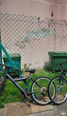 街角の風景 自転車 フェンス ごみ箱 Street corner landscape Bicycle fence Recycle bin