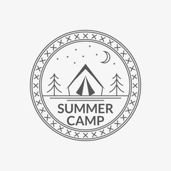 Camp badge. Round summer camping emblem with tourist tent. Vector illustration.