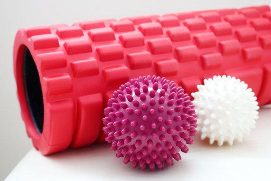Massage Foam Roller + Hand & Foot Ball