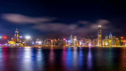 Fotomurales - Hong Kong cityscape at night.