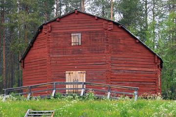 Außergewöhnliches altes Holzbohlenhaus in Jokkmokk