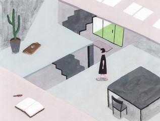 スキップフロアの家で生活する女性
