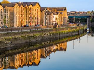 Lancaster Quayside from Millenium Bridge across River Lune in Lancashire England on a sunny morning Fototapete