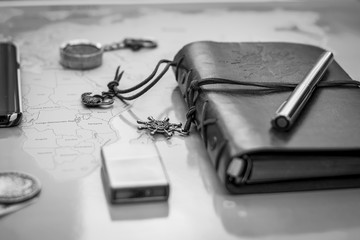 agenda en cuir noir et blanc