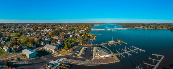 Aerial panorama view of historic colonial chestertown near annapolis situated on the chesapeake bay during an early november afternoon Fototapete