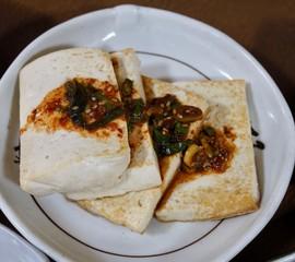 아시아 음식 두부부침