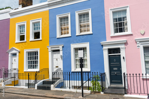 Fototapete Colorful row houses seen in Notting Hill, London