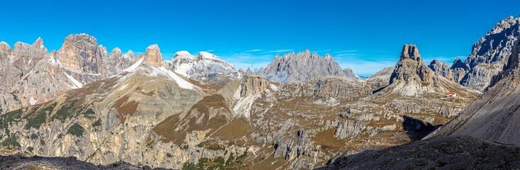 Aussicht von den Drei Zinnen Richtung Süden, Dolomiten, Südtirol
