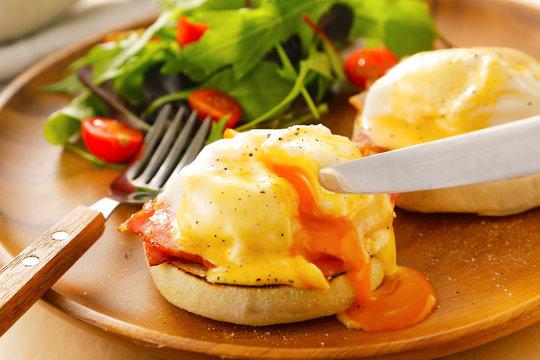 エッグベネディクト Eggs Benedict