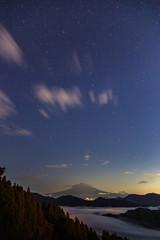 静岡市吉原星空の富士山と雲海