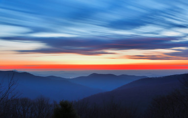 Wall Mural - Shenandoah National Park at Sunrise Viewing from Thorofare Mountain Overlook.
