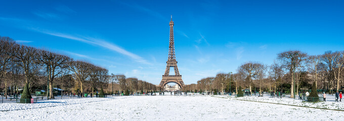 Fototapete - Paris Panorama im Winter mit Eiffelturm