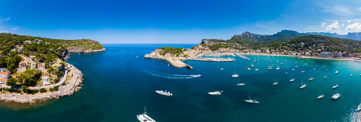 Spain, Balearic Islands, Mallorca, Serra de Tramuntana, Port de Soller, panoramic view
