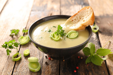 healthy leek soup