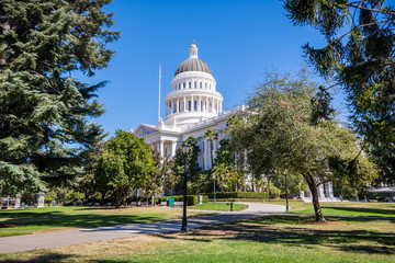 California State Capitol building and the surrounding park