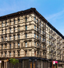 Fototapete - Historic old New York City apartment building