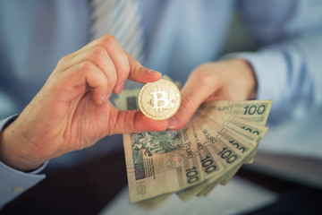 Fototapeta bitcoin i plik banknotów obraz