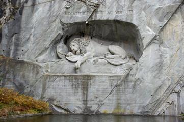 スイス ルチェルン 瀕死のライオン像