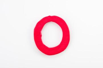 赤い粘土のアルファベット O