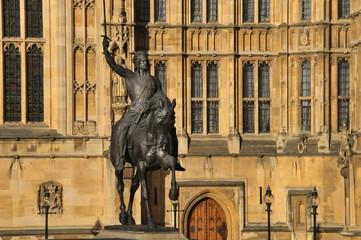 Reiterstandbild vor dem Palace of Westminster