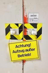 Schild - Aufzug außer Betrieb - hochkant