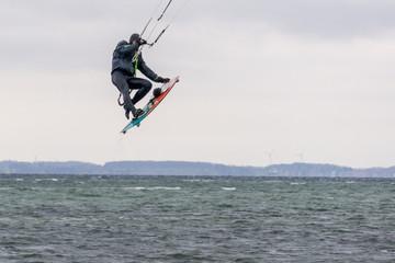 Kitesurfer One Footer