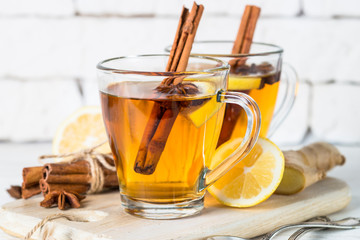 Autumn hot tea with lemon and spices Fototapete