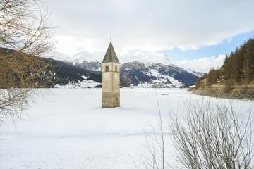 Versunkene Kirche im Reschensee