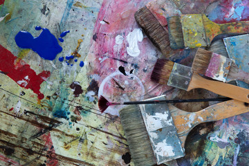 Künstlerpinsel mit Farbpalette