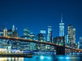ニューヨーク ブルックリン橋とマンハッタン