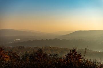 Paysage d'une petite vallée avec la Moselle près de Metz
