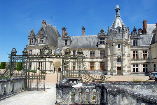 Château de Saint-Aignan, portail d'entrée, ville de Saint-Aignan-sur-Cher, département du Loir et Cher, France