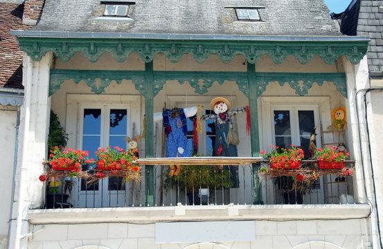 Balcon fleuri, ville de Saint-Aignan-sur-Cher, département du Loir et Cher, France
