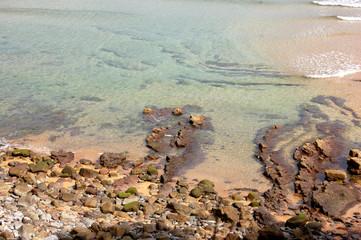 vista desde arriba de la orilla de la playa
